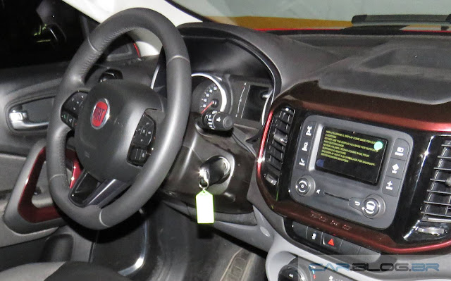 Fiat Toro Opening Edition 1.8 Flex Automática - interior