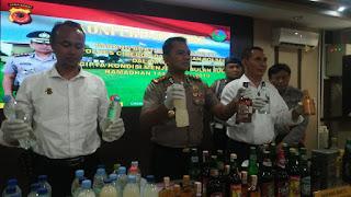 Polres Cirebon Amankan Ribuan Liter Minuman Berbagi Jenis Dalam Rangka Cipta Kondisi Jelang Rhamadhan Dan Idul Fitri 1440 H