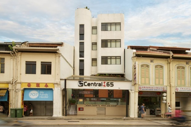 Central 65 Hostel & Cafe