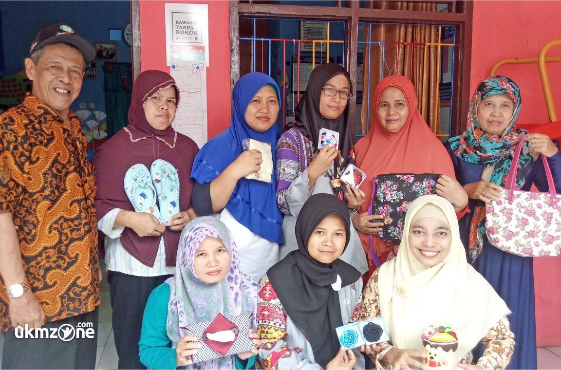 Anggota dan Pengurus Kampoeng Craft Panmas Depok | UKM Zone
