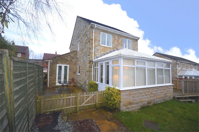 This Is Huddersfield Property - 4 bed detached house for sale Willowbank Grove, Kirkheaton, Huddersfield, West Yorkshire HD5