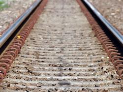 Mengapa Pada Rel Kereta Terdapat Kerikil