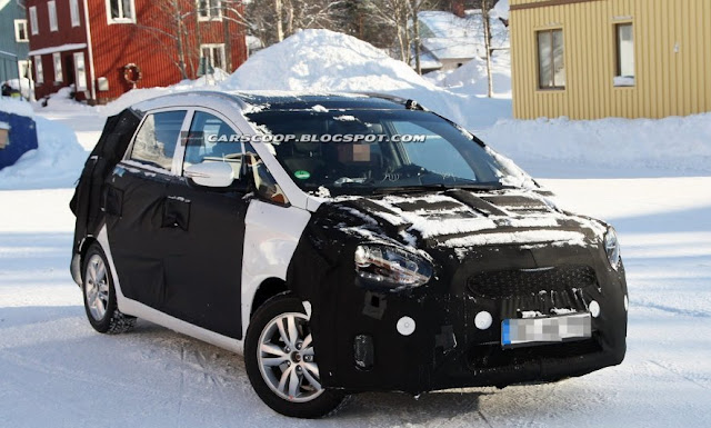 Kia Cee D Grows To The Size Of Minivan Spy Photos