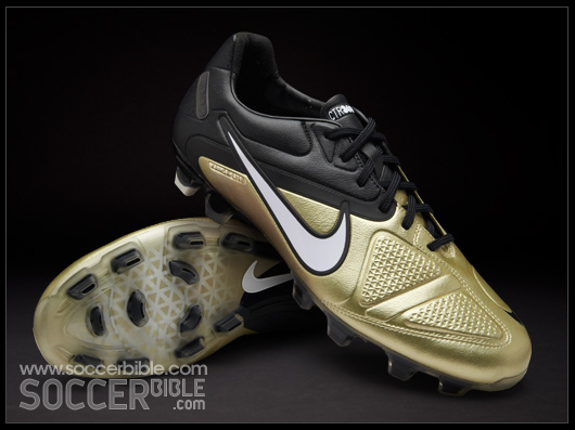 low priced 11bf6 df3d1 Nike Football Boots CTR360 Maestri II Gold White Black