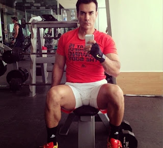 Hot Abs Body Model David Zepeda