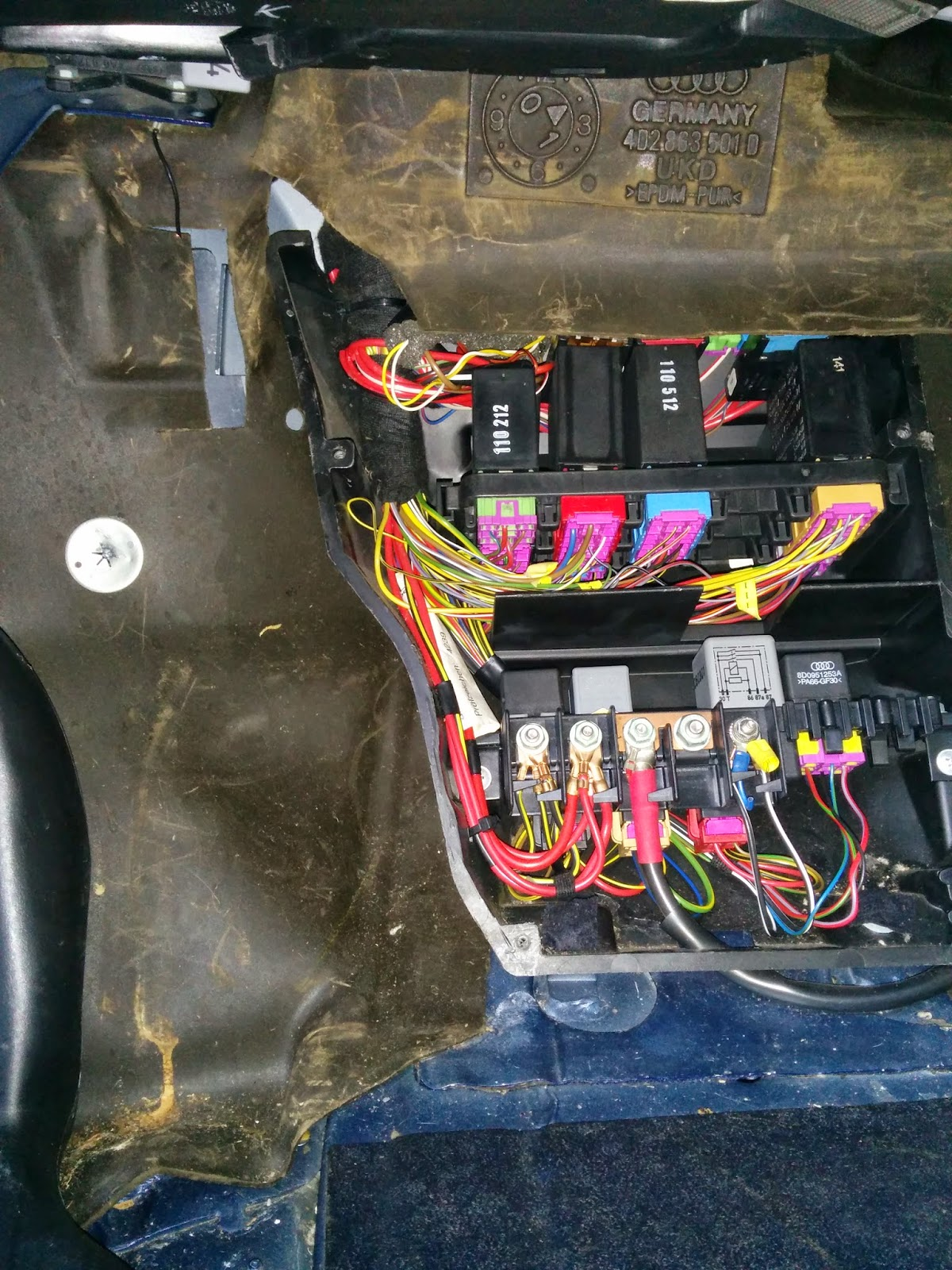 Audi A8 D2 Fuse Box Everything About Wiring Diagram Remove Relay Flasher From 34 D1 Interior