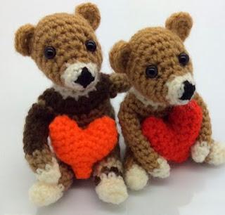 http://translate.google.es/translate?hl=es&sl=en&tl=es&u=http%3A%2F%2Fwww.lonemer.com%2F2015%2F02%2Fvalentine-bear.html