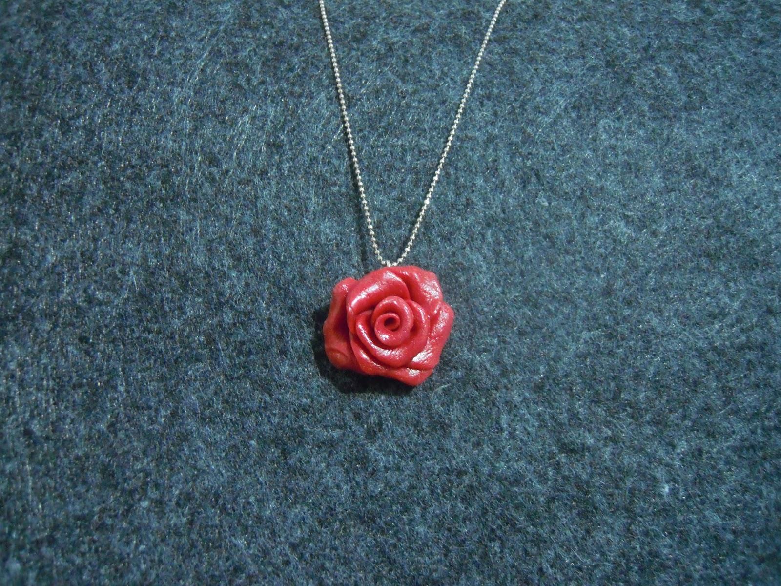 Rosa gioiello in pasta di mais