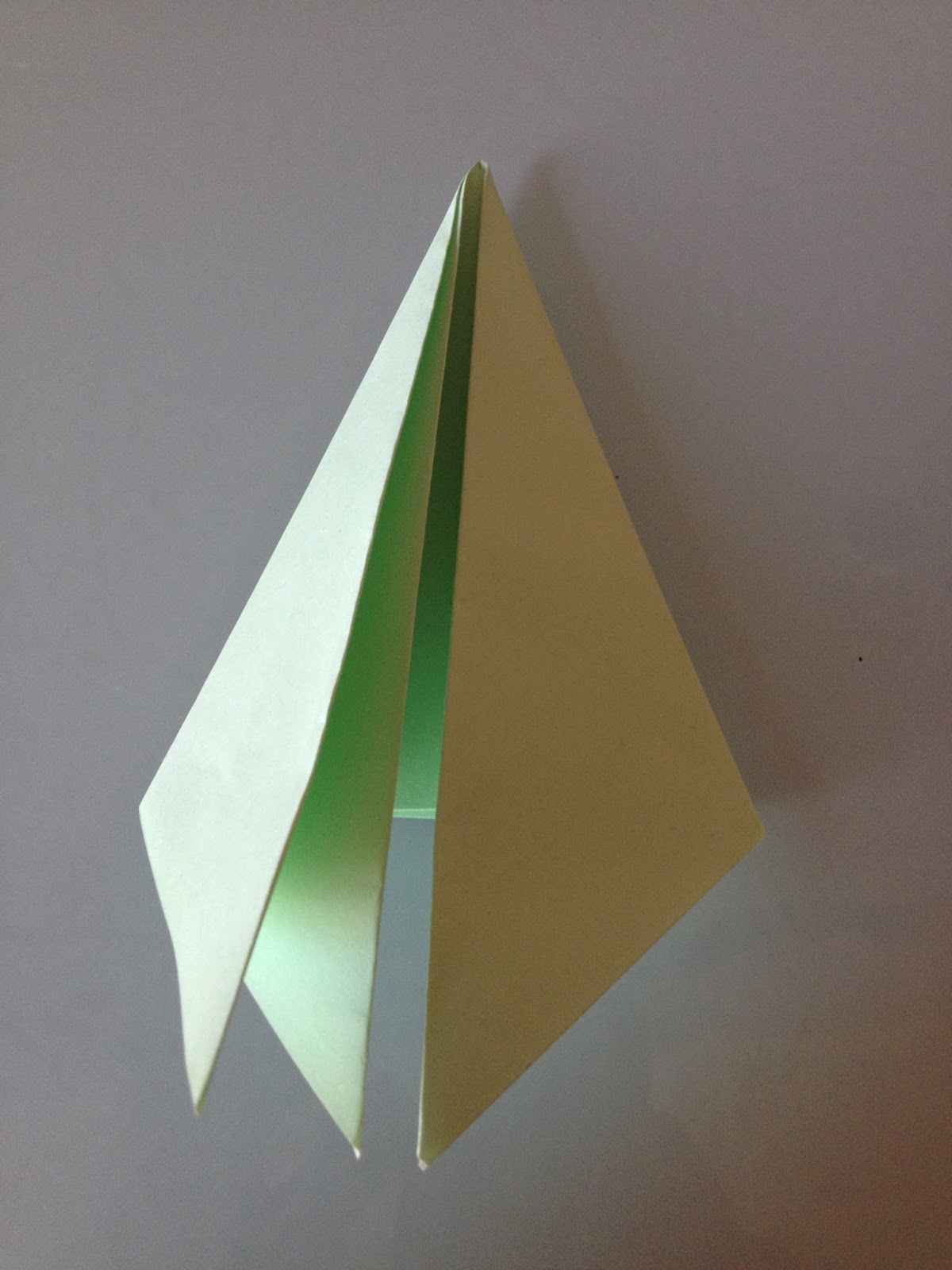 Les diy de fishounette sapin de papier origami - Sapin en papier origami ...