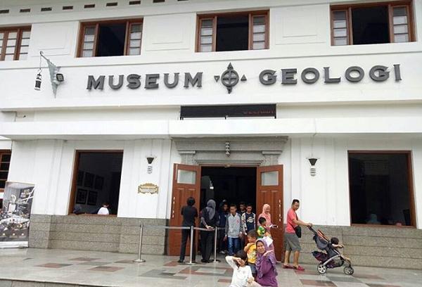 Wisata keluarga dan anak di Bandung Museum Geologi