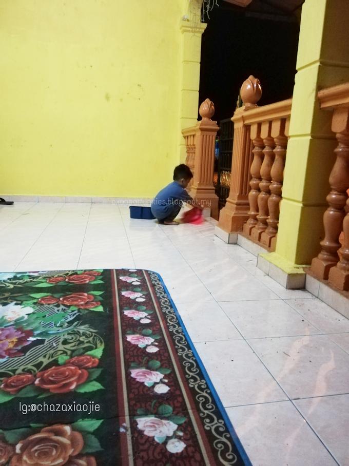 Anak Lelaki Goyang Kaki, Anak Perempuan Jadi Orang Gaji.