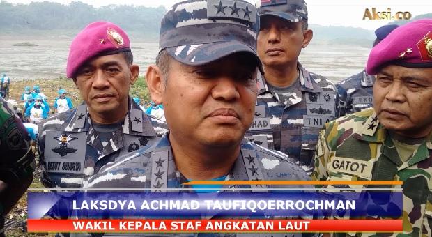 TNI AL Gelar Program Bebersih Sungai Citarum