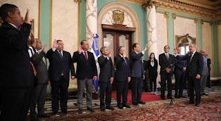 Danilo Medina juramenta nuevos funcionarios en varias instituciones del Estado