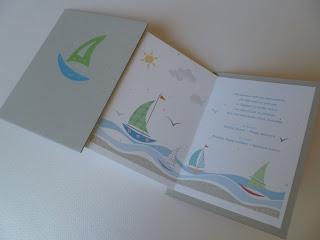 καλοκαιρινή πρόσκληση βάπτισης με θάλασσα και καραβάκια