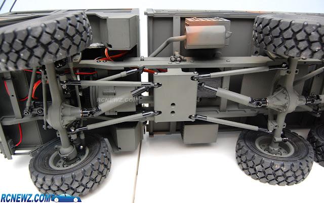 RC4WD Beast 2 6x6 underside