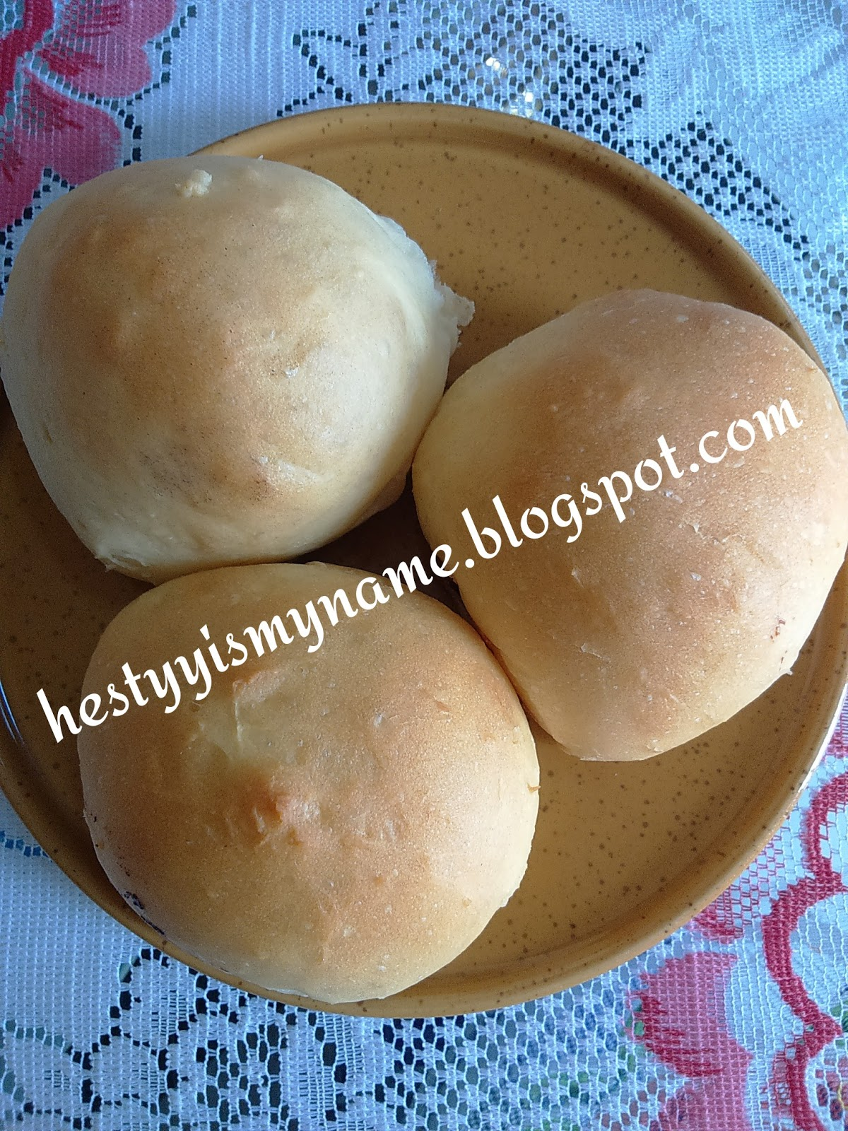Memanggang Roti Dengan Oven Tangkring Atau Otang