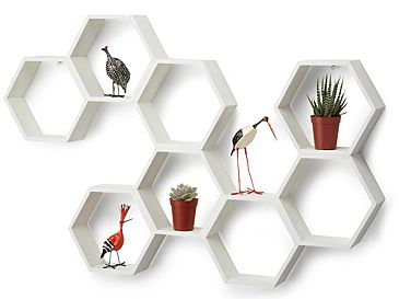 honeycomb+shelves 6 Ways to Uniquely Decorate Your Home 17