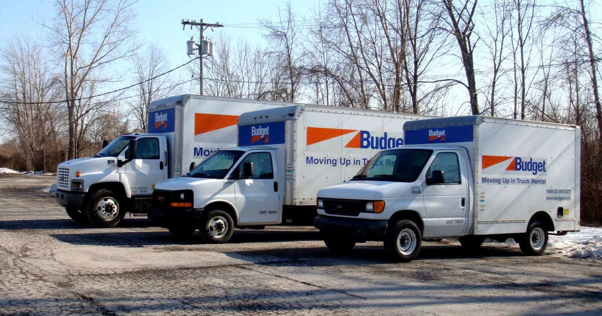 There are many moving truck providers you can choose from when deciding to move your furniture by yourself. First you need to determine what kind of truck rental service you will require.