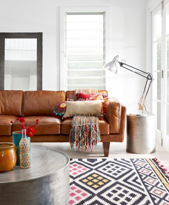 Resultado de imagem para decoraçao com mantas,almofadas e tapetes kilim