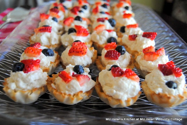 Mini Fruit Tarts at Miz Helen's Country Cottage