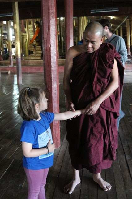 Helia en Myanmar
