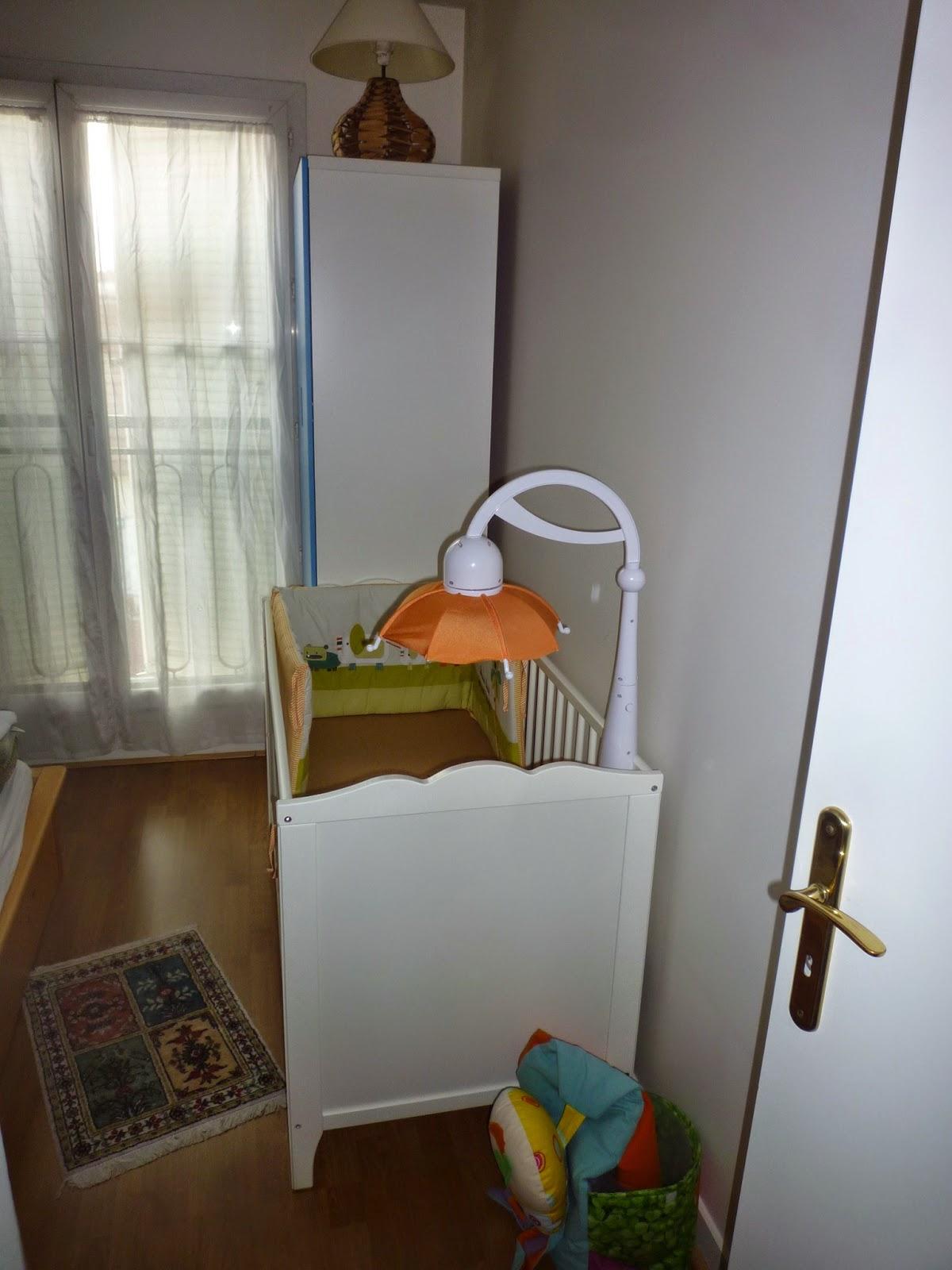elegant composer avec une petite chambre ou un espace restreint with chambre bb petit espace. Black Bedroom Furniture Sets. Home Design Ideas