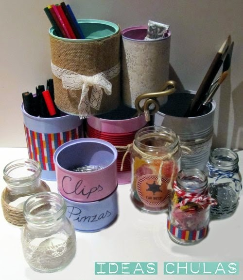 Botes de cristal y latas reciclados decorados