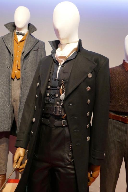 Johnny Depp Fantastic Beasts 2 Grindelwald film costume