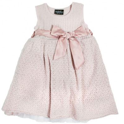 ee260308 Til jentene har vi fått inn nydelige kjoler både til hverdags og festbruk.  Fjorårets bestselgende julekjole i ull/tyll er tilbake i to ulike varianter.