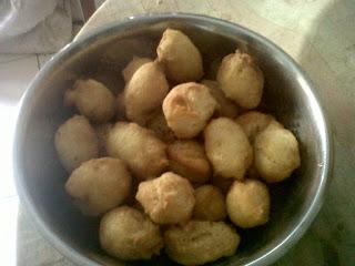 Siang bunda ini dia makanan khas sunda  Resep Cara Membuat Odading atau Kue Bantal