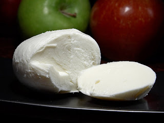 Low Carbers Eat a Lot of Cheese Even Though it Spikes Insulin