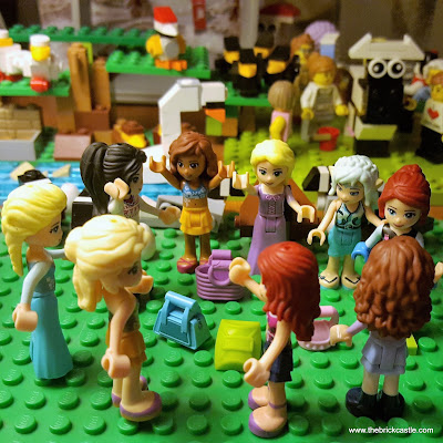LEGO 12 Days Of Christmas 9 ladies dancing friends minifigs