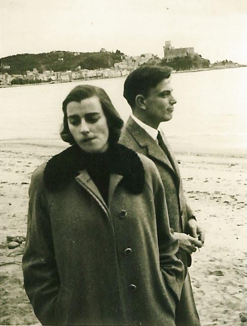 """Due cugini di Federico De Leonardis alla Vedere di Lerici, un'immagine stile """"I Vitelloni"""" che sembra ancora molto attuale"""