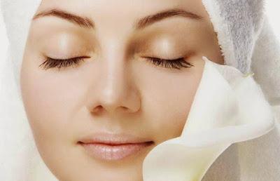 Memutihkan kulit secara alami dengan masker