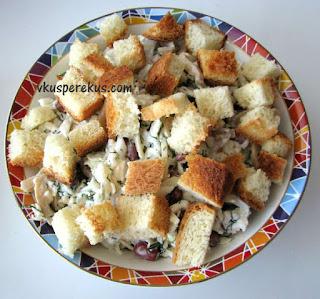 салат из пекинской капусты с фасолью и грибами