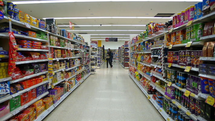 foto corredor de supermercado