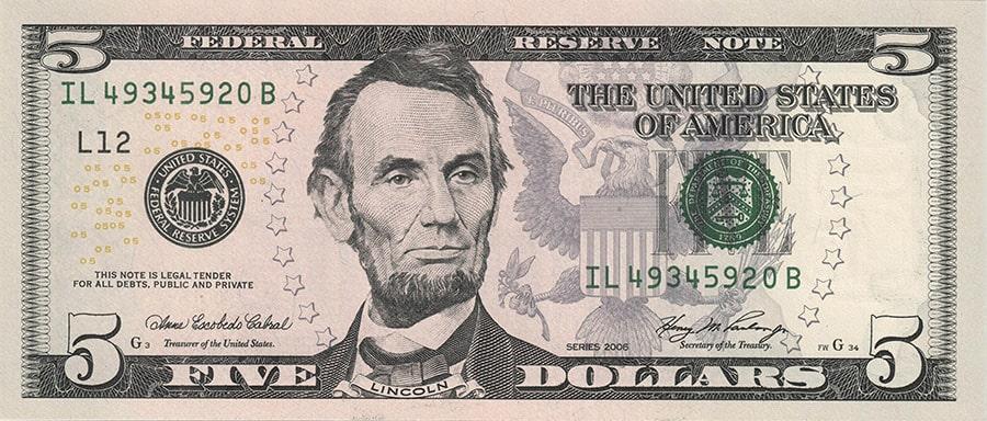 Купюры долларов номиналом 5$