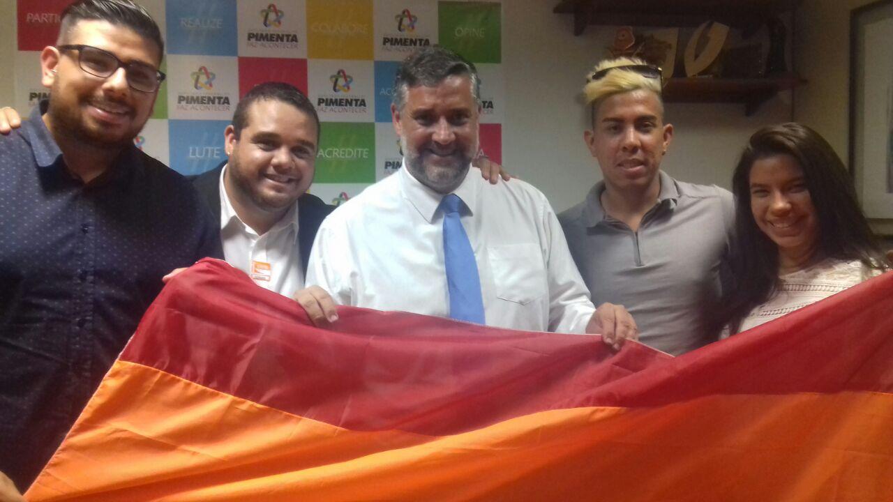 Deputado Federal recebe ativistas LGBT e firma compromisso pelo fim da LGBTfobia