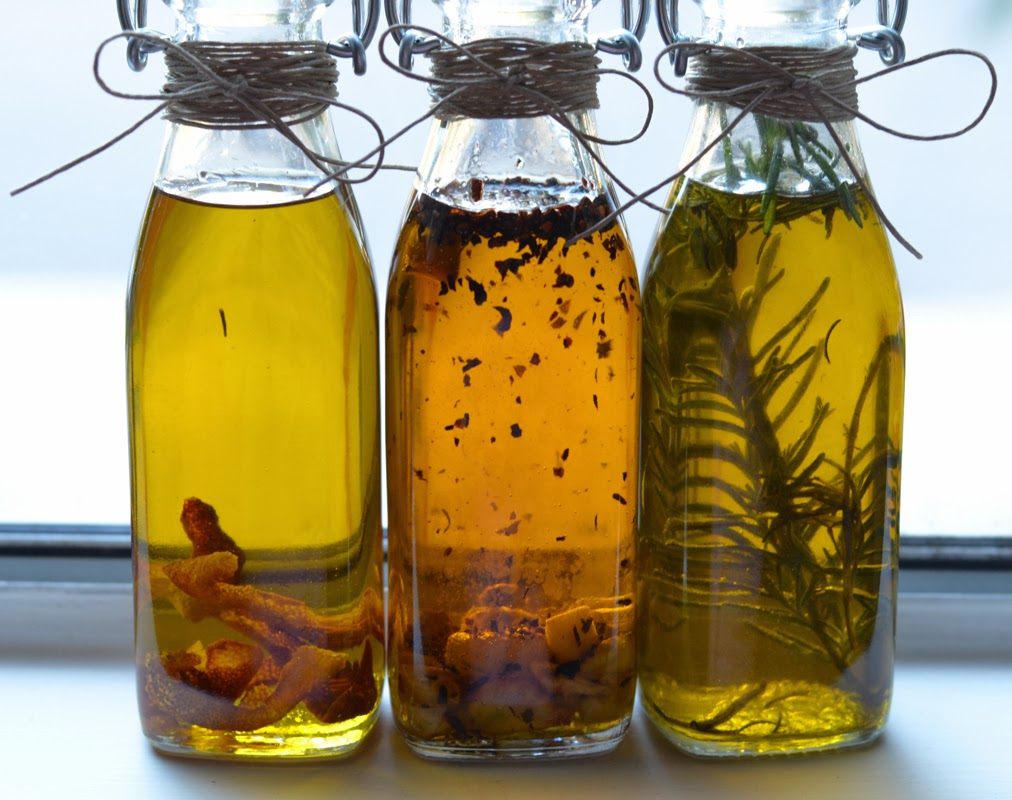 Chilli and Coriander Infused Olive Oil - Five Euro Food  Flavored Oils