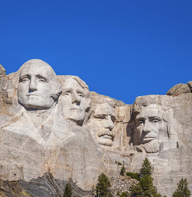 photo of Mt. Rushmore in the daytime