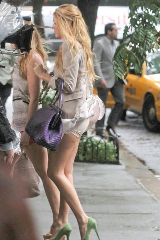 Miniskirt with no underwear 2