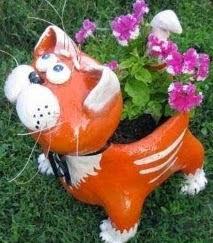 http://es.paperblog.com/manualidades-para-jardines-con-botellas-2662323/