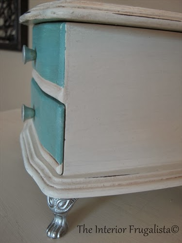 Thrift store jewelry box makeover AFTER close up