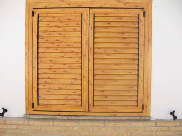 Mallorquinas carpinteria lozano hierro y aluminio - Puertas color pino ...