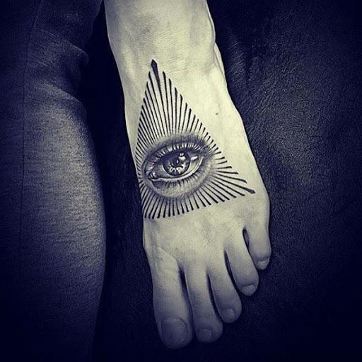 Esse olho da providência