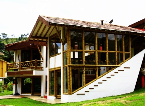Berbicara desain rumah bambu memang sangat luas karena ada berbagai desain yang unik klasik dan modern. Semuanya sangat bagus dan patut dipertimbangkan ...