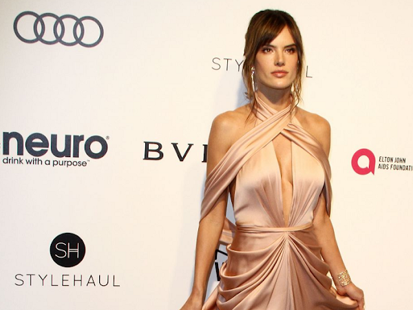 Alessandra Ambrosio - Look - Elton John AIDS Foundation's Academy Awards Viewing Party - 2017