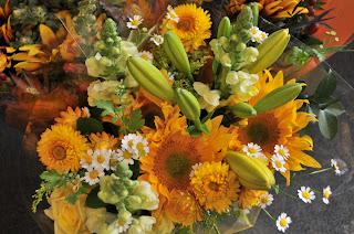 Sunflowers Lilies Matricaria Bouquet