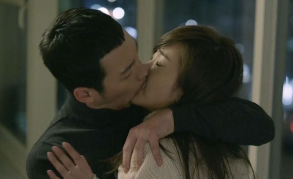 Kiss scenes with pitiful actresses - K-POP, K-FANS