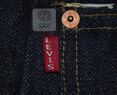 推定1930年代 ヴィンテージリーバイス506xxの左胸ポケット部に取り付けられている赤タブ
